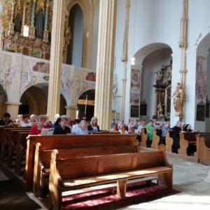 Andacht in der Wallfahrtskirche